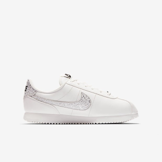 newest 30ee8 d8d72 Nike Cortez Basic Leather Damen Summit WeißSchwarzMetallic Silber AA3043- 100
