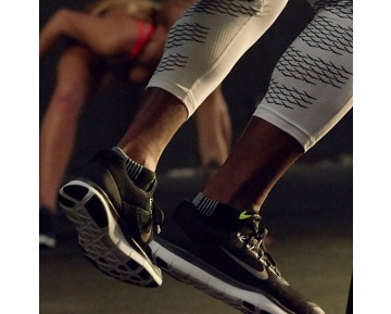 Nike Free Trainer V7 Herren Trainingsschuhe Schwarz/Weiß/Dunkelgrau 898053-003